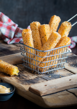 Creamy polenta chips with spicy aioli