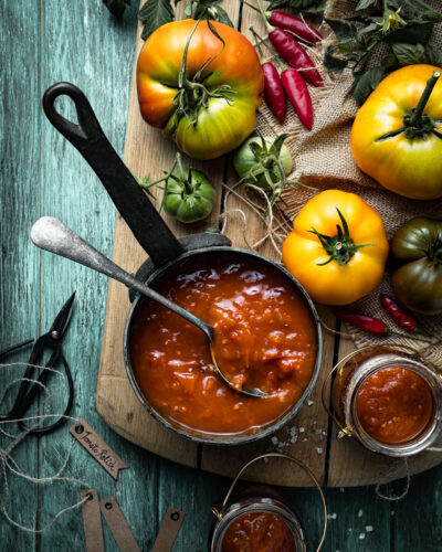 Sweet, sour, spicy tomato and chilli relish
